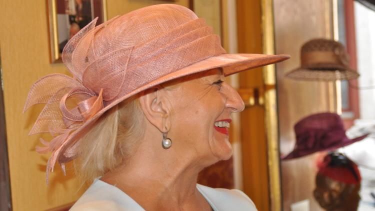 Pani Irena Benowska – modystka. 70 lat rzemiosła w sercu toruńskiej starówki